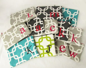 Set of 12 - Gotcha Bag - Makeup bag - Personalized Zipper Pouch - Bridesmaid Purse - Cosmetic Bag - Medium