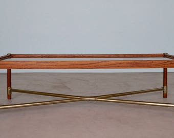 Gorgeous Mid-Century Hollywood Regency Coffee Table in Stunning Condition!