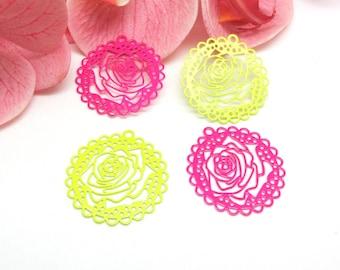 Destash 4 pendants prints pinwheel filigree flower stylized Rose and green - 43 mm
