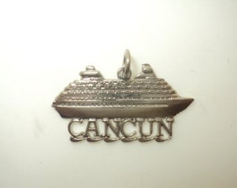 Cancun Boat Charm (JC-707)