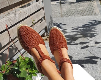 Knitted Shoes from CroShee