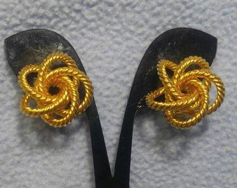 Bright Goldtone Loose Rope Knot Clip Earrings