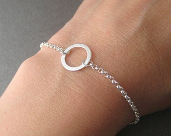 Ring Silver 925/1000th round geometric circle bracelet