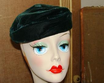Emerald Green or Noir Black Velvet 30s Deco Beret Ladies Hat 21-22 Asymmetrical Pillbox Retro Pin Up