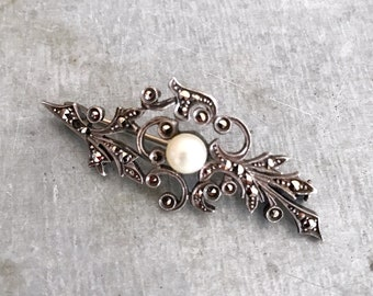 Marcasite and pearl brooch, 925 silver marcasite brooch, art deco brooch, solid silver brooch, vintage marcasite and pearl brooch, french