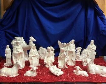 Nativity set of 16 pieces