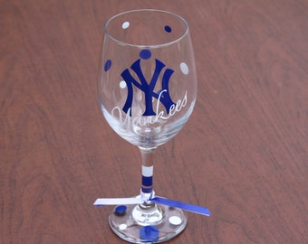 New York Yankees, Baseball, Go Yankees, Yankees Gifts, Personalized Yankees Gifts with Names, Glassware