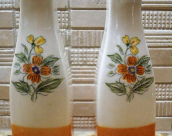 Vintage Orange & White, Flowers Salt and Pepper Shakers - Made by Sample, Japan - Excellent Vintage Condition!!