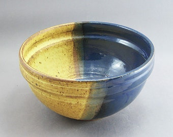 Pottery Medium Bowl Yellow Salt & Aegean Blue FF03