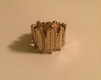 Gold Feather Ring Boho Glam Retro Toned Metal Alloy SIZE 6 High Fashion Stackable Ring