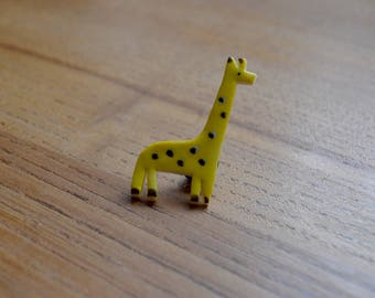Ceramic Giraffe Pin