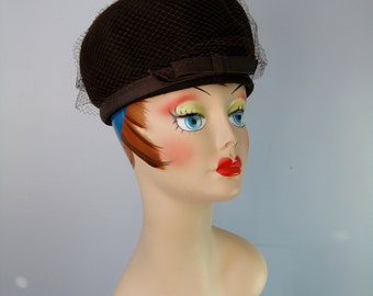 Brown Helmet Style Hat / Vtg 50s / Signed Henry Pollak Sculptural 100% wool felt hat / Brown hat with veil
