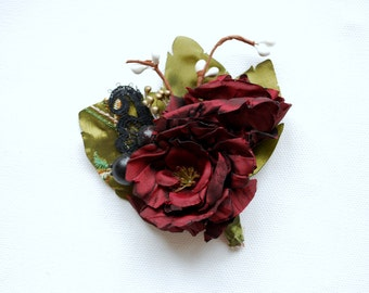 rustic burgundy green grooms boutonniere, weddings accessories, bridesmaids pin, groomsmen boutonniere, rustic vintage wedding, red green