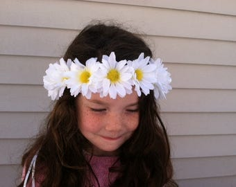 Daisy flower crown, Girls floral crown, Childrens soft flower crown, Hippie Costume Accessory, Girls hair accessory, Daisy wedding hair