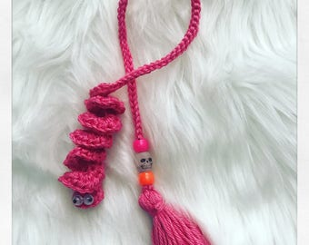 Crochet worm bookmark pattern