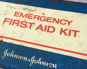 1979 Vintage Johnson and Johnson Emergency first Aid Kit - Wall Box