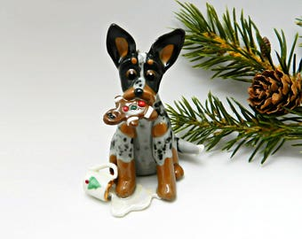 Australian Cattle Dog lait et biscuit de porcelaine Noël ornement Figurine père