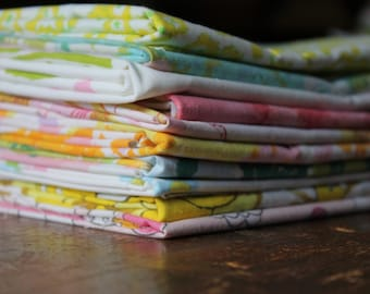 Vintage reclaimed Fabric fat quarters bed linen fabric bundle of retro bright spring floral fabric quilting apparel decor fabric 10 fq's