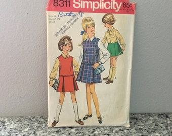 Girls school jumper or skirt and blouse pattern 1969 Simplicity 8311 Size 4 Inverted pleats lowered waistline sleeveless, collared shirt