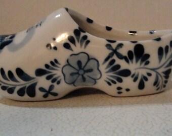vintage delft blue dutch shoe