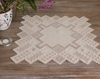 Fine Nordic Hardanger centerpiece with solid center