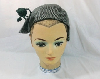 Fantastic Ladies Vintage Houndstooth Hat