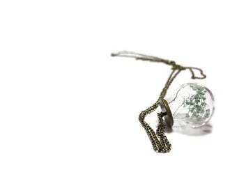 Terrarium Pendant, Glass Globe Terrarium Necklace, Dried Flower Pendant, Whimsical Terrarium, For Her, Valentines Day, Gift Ideas, Cute