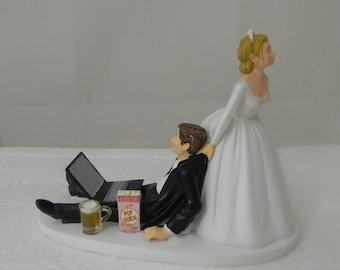 Wedding Reception Laptop Computer Nerd Geek Popcorn & Mug of Beer Cake Topper