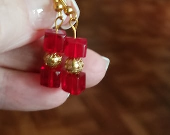 Earrings,red cube,1 inch, purchase matching bracelet and necklace in other listings, gold, silver and clip-ons available.