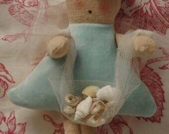 Mini Folk Art Angel with Sea Shell Net (MINI-ANG-NET-A/W)