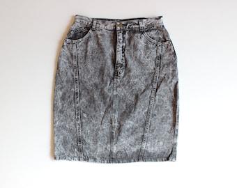 "90s Taxi Black Acid-Wash Denim Skirt, High -Waisted Skirt, Made in New Zealand, Sz 7/8 US, Denim Skirt, 29"" Waist"