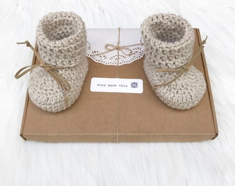 Baby shoes, crochet booties, crochet baby shoes, lace up booties, crochet booties,unisex, baby boy, baby girl, baby shower gift