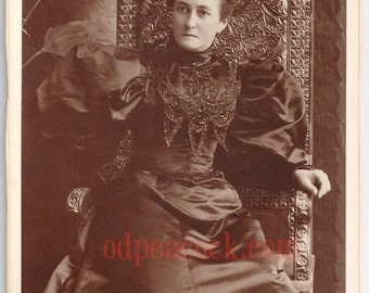 Amazing black Victorian dress lady antique photo cabinet card Towne Troy NY