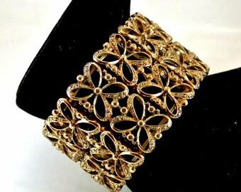 Gold Tone Metal Filigree Cuff Bracelet 8 Inch Bracelet Gold Tone Stretch Bracelet Vintage 70 Bracelet Gold Stretch Cuff