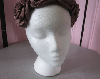 1950s Brown Velvet Clip-Style Hat with Satin Roses