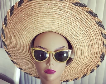 Vintage Wide Brimmed Straw Sunhat -- Glamorous
