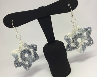 Crochet Earrings Flower water lily shaded grey