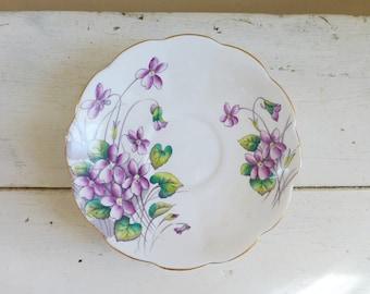 Soucoupe de Chine, Royal Albert Flower du mois série numéro 2 violettes soucoupe, la Chine royal albert, fleurs pourpres, soucoupe mignon