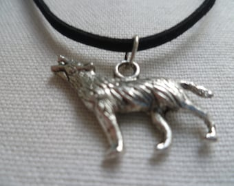 Wolf choker, wolf necklace,wiccan jewelry,silver wolf,wolf jewelry,black choker,choker necklace, pagan jewelry, wiccan jewelry