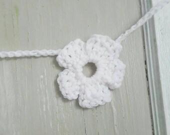 Flower Garland  (white)