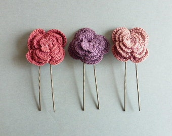 Flower hair pins in Pink Purple old cROCHET pink accessory hairstyle bridesmaid gift mother of mothers 15 euros