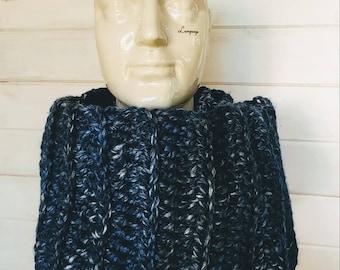 Crochet infinity scarf denim blue adult/teen