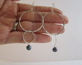 Christmas Gift Cyber Monday Sale Big Double Circles Sterling Silver Dangle Earrings, hammered and textured w/ black pearls