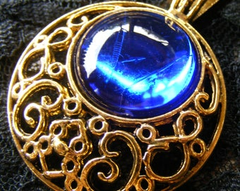 "Sapphire Blue Faux Jewel Pendant Necklace Round Filigree Gold Tone or Silver Tone Setting with 24"" chain Perfect gift New"
