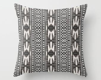 Boho Pillow Cover, Tribal Pattern Throw Pillow, Aztec Cushion, Black & White Accent Pillow, Boho Decor, Gypsy Vibe, Geometric Ethnic Decor