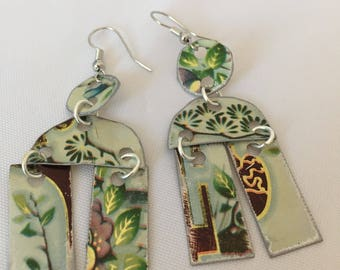 Floral drop earrings/boho style earrings/gypsy style jewelry/metal jewelry/recycled tin earrings/vintage floral jewelry/statement earrings/