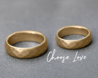 Wedding bands his and hers, Solid gold Rustic wedding band set, Solid Gold Matching Hammered wedding band, Solid Gold wedding band set 18K