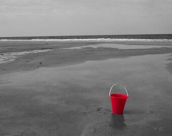Red Solo, Jacksonville Beach, Florida, USA 10 x 8 black and white print