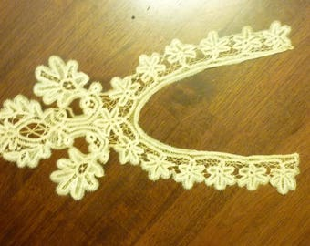 EXTRAORDINARY Antique  Brussels Duchesse Bobbin Lace Insert...Handmade...Raised Detail ..Lace Collector...Free Shipping
