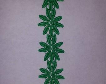 Emerald green flower trim